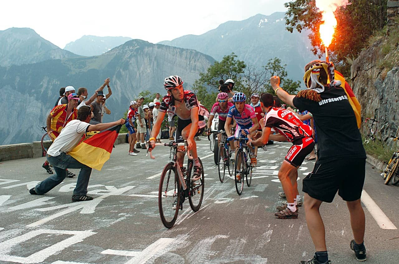 cycling live streaming